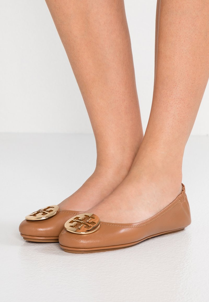 Tory Burch - MINNIE TRAVEL BALLET  - Baleríny - royal tan/gold