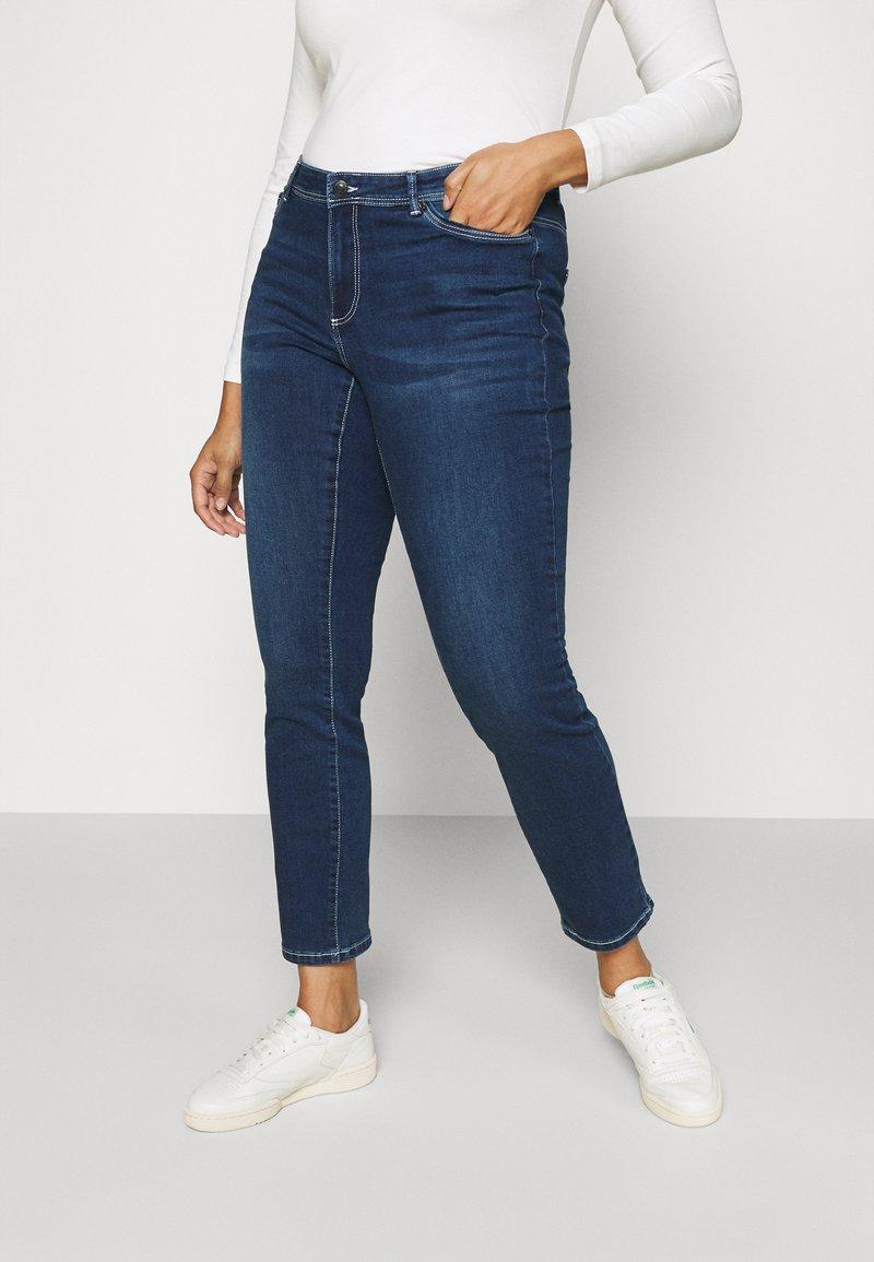 Vero Moda Curve - VMMANYA  - Jeans Skinny Fit - dark blue denim