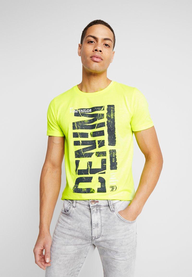 TOM TAILOR DENIM - T-shirt imprimé - neon green