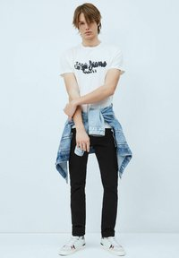 Pepe Jeans - T-shirt med print - blanco off - 1