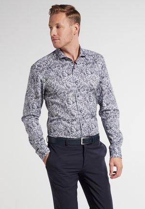 SLIM FIT - Skjorter - silbergrau