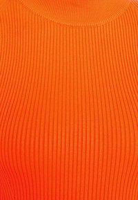 Guess - HELENA - Strickpullover - groovy orange - 2