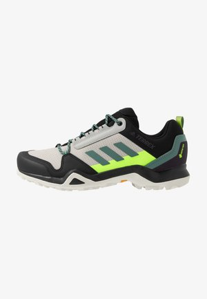 TERREX AX3 GTX - Hikingskor - grey two/signal green