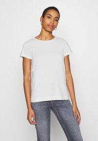 Soft Rebels - SRELLE - Basic T-shirt - snow white - 0