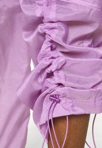 Nike Sportswear - STREET PANT - Pantalones - violet shock/white - 4