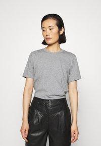 ARKET - Basic T-shirt - grey medium dusty - 0