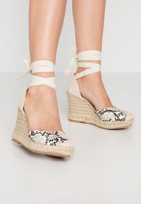 New Look - TRINIDAD - High heeled sandals - stone niu - 0