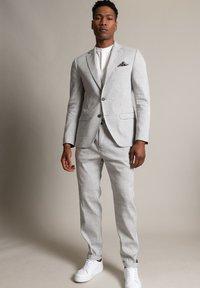 WORMLAND - Suit jacket - hellgrau - 1