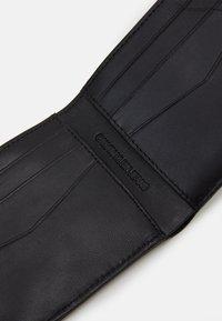 Calvin Klein Jeans - BILLFOLD - Portefeuille - black - 4