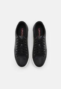 Levi's® - WOODWARD  - Sneakers laag - regular black - 5