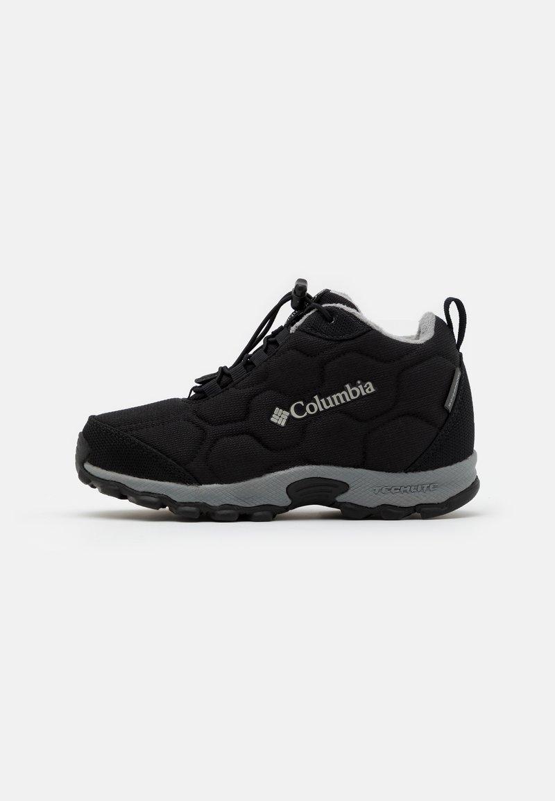Columbia - YOUTH FIRECAMPMID 2 WP UNISEX - Hiking shoes - black/monument