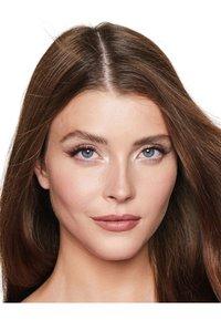 Charlotte Tilbury - AIRBRUSH FLAWLESS FINISH - Powder - medium - 2