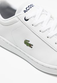 Lacoste - CARNABY EVO - Baskets basses - white/navy - 5