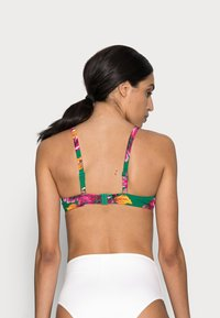 Pour Moi - PARADISOLIGHTLY PADDED UNDERWIRED FRONT TIE - Bikinitop - green - 2