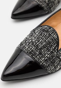 Chatelles - POINTY - Slip-ons - black - 4