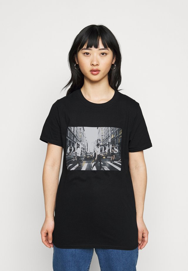 OFF LIMITS GRAPHIC TEE - T-shirts med print - black