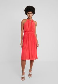MICHAEL Michael Kors - CHAIN MIDI DRESS - Robe de soirée - sea coral - 0