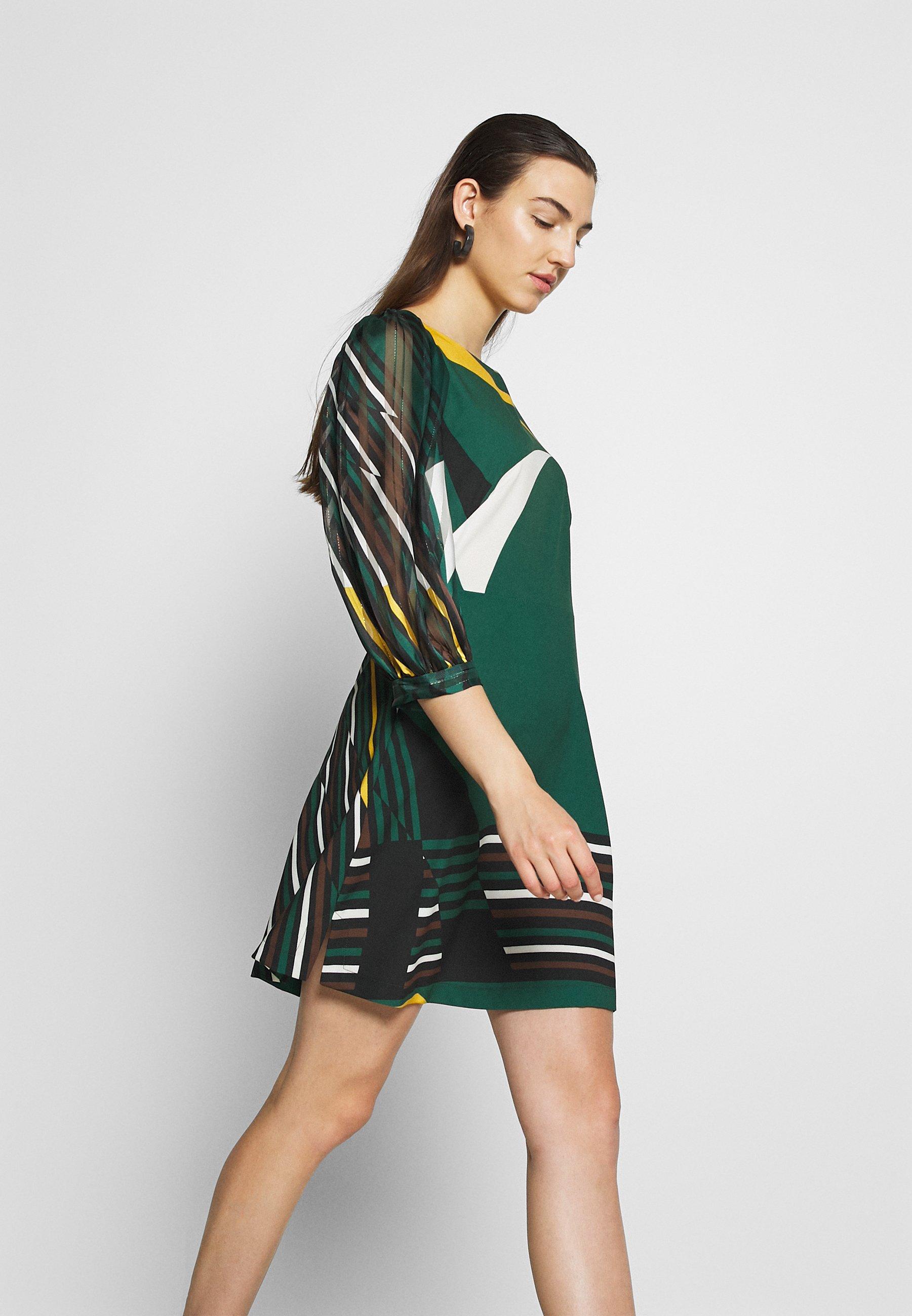 Closet CLOSET SHORT PUFF SLEEVE DRESS Freizeitkleid green/grün