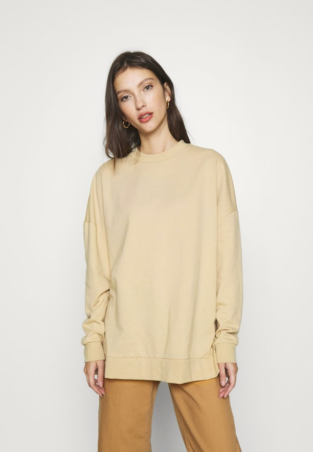 SLIT SIDED LONG OVERSIZED SWEATSHIRT - Mikina - sand