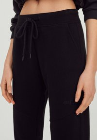 PULL&BEAR - Tracksuit bottoms - black - 3