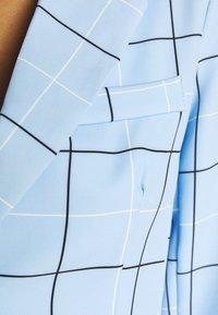 WAL G. - GEMMA STRIPE - Blazer - powder blue - 4