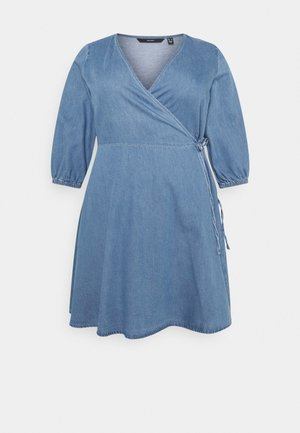 VMHENNA 3/4 WRAP SHORT DRESS - Denimové šaty - light blue