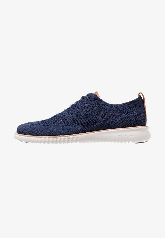 ZEROGRAND STITCHLITE OXFORD - Sznurowane obuwie sportowe - marine blue/grey