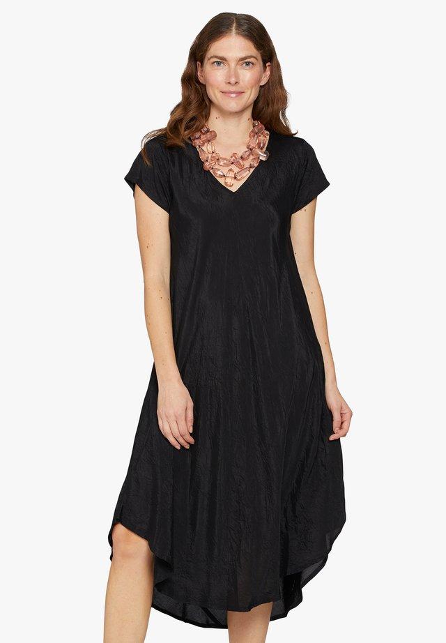 NEBILI - Korte jurk - black
