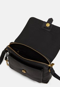Fossil - KINLEY - Across body bag - black - 2