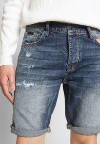 Antony Morato - SLIMBAART - Jeans Short / cowboy shorts - denim blue - 3