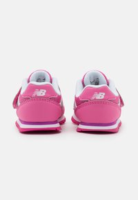 New Balance - IV393BPK - Tenisky - pink - 2