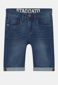 Staccato - BERMUDAS KID - Denim shorts - blue denim - 0
