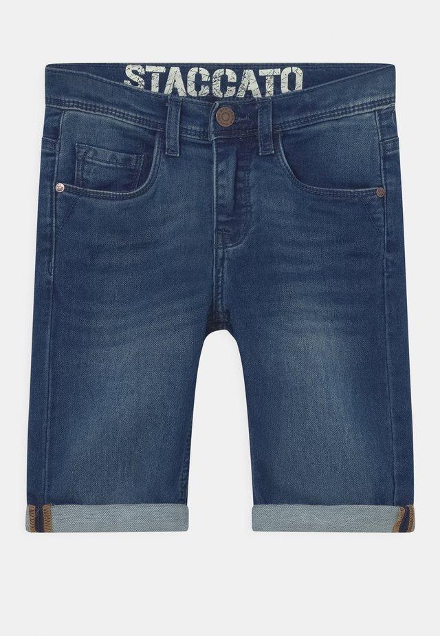 BERMUDAS KID - Denim shorts - blue denim