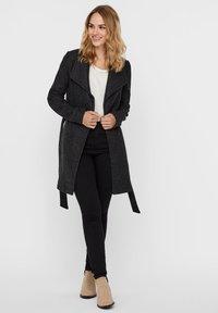 Vero Moda - VMBRUSHEDDORA JACKET - Klassinen takki - dark grey melange - 1