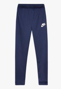 Nike Sportswear - B NSW CORE TRK STE PLY FUTURA - Chaqueta de entrenamiento - midnight navy/laser blue/white - 2