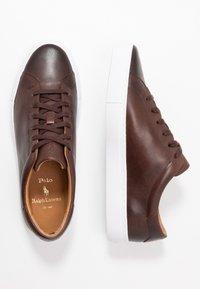 Polo Ralph Lauren - JERMAIN II  ATHLETIC SHOE UNISEX - Tenisky - brown - 1
