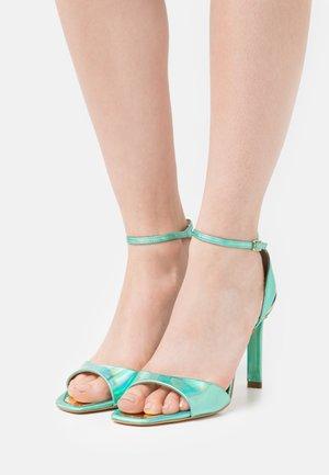 DIVINE - Sandales - fondo verde/blu