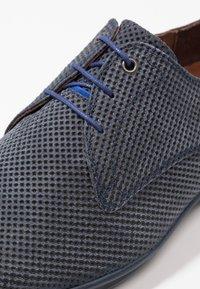 Floris van Bommel - HAKKI - Eleganckie buty - dark blue - 5