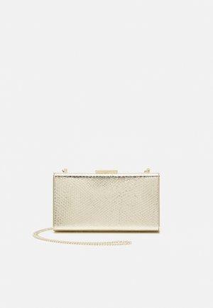BOX BAG PET M - Clutch - gold-coloured