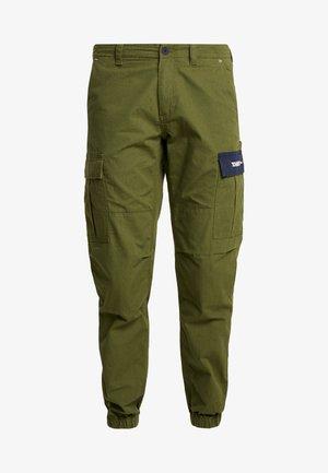 PANT - Pantalones cargo - cypress
