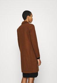 Selected Femme - SLFELINA - Short coat - dachshund - 2
