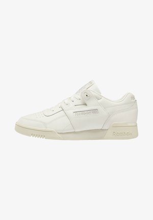 WORKOUT LO PLUS SHOES - Matalavartiset tennarit - white