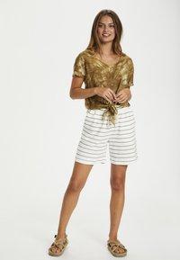 Cream - CRFIA SWEAT - Shorts - timber stripe - 1