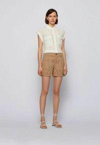 BOSS - TAGGIE - Shorts - beige - 1