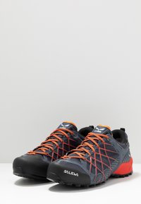 Salewa - MS WILDFIRE GTX - Hiking shoes - ombre blue/fluo orange - 2