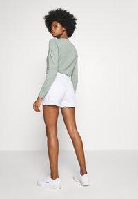 GAP - Denim shorts - optic white - 2