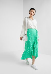 2nd Day - LIMELIGHT ANEMONE - Maxi skirt - irish green - 1