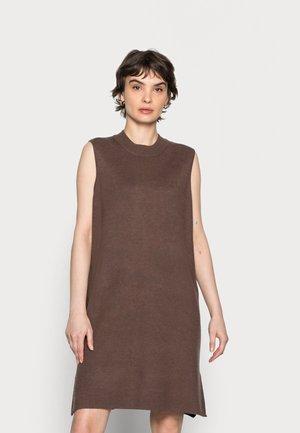 KAKITT SLIPOVER - Jumper dress - brown