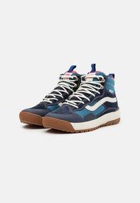 Vans - ULTRARANGE EXO MTE UNISEX - Skate shoes - navy - 1