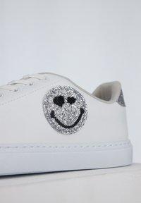 DeFacto - SMILEYWORLD - Sneakers laag - white - 7